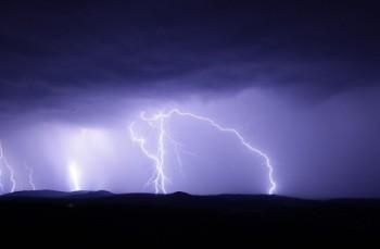 Sztuczna inteligencja w prognozowaniu burz